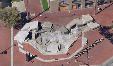 The fountain from Google Earth 2015
