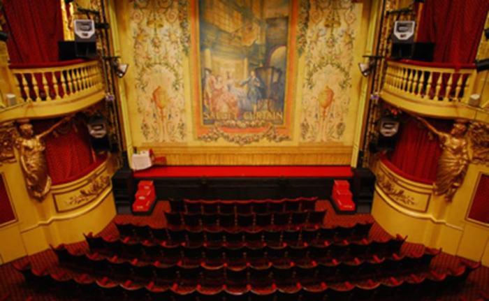 Playhouse_Theatre_auditorio