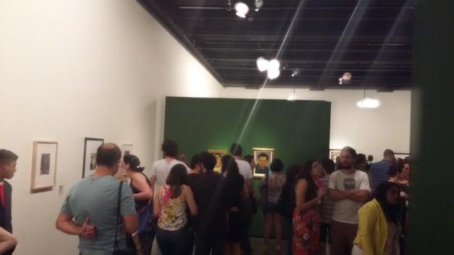 Público prestigiando a exposição