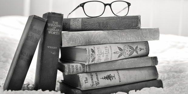 read a book day Pixabay/jill111