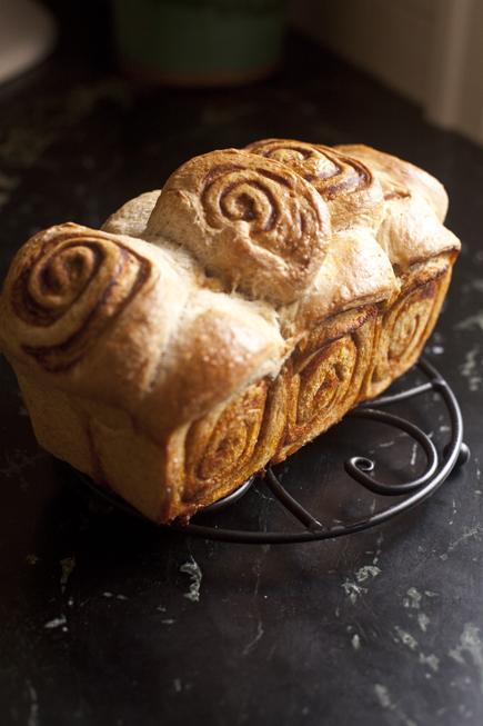 pumpkin swirl bread 08