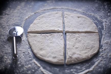 Olive Fougasse | Breadin5 04