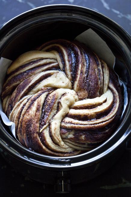 crock pot swirl bread 10