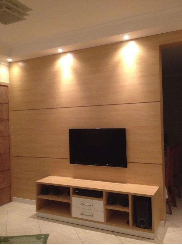 painel completo com rack acoplado em sala de tv