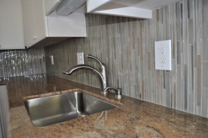metal glass wall tiles mosaic kitchen backsplash Vertical Glass