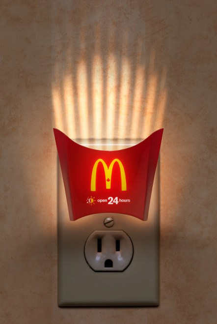 The light becomes a visual trick/metaphof for the frenchfries.