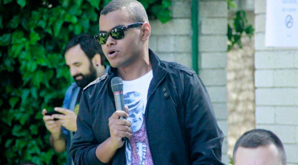 Arturo Paniagua en la presentación del Dcode