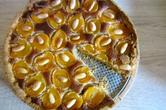 Gluten-free German and apricot tart