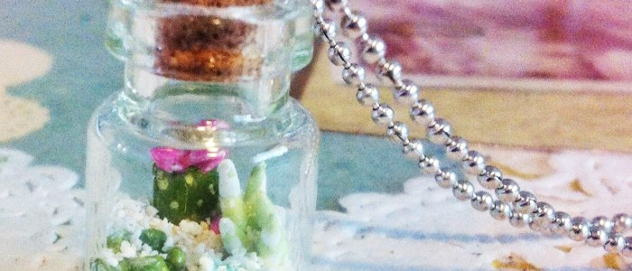 Desert Terrarium Necklace – Pink Bloom