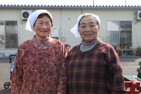 映画「飯舘村の母ちゃんたち 土とともに」古居みずえ監督に聞く(2) 帰れぬ飯舘村の食文化を伝える2人の母ちゃん