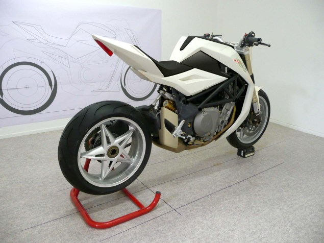MV-Agusta-Bestiale-Yacouba-Design-03