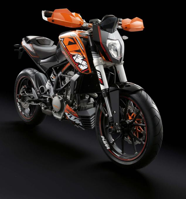 KTM 125 Teaser Video KTM 125 Duke orange 2 635x680
