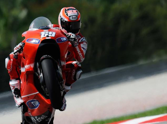 Nicky Hayden Misses Sepang Pole by 0.1 Seconds Nicky Hayden Qualifying Sepang MotoGP Malaysia 635x470