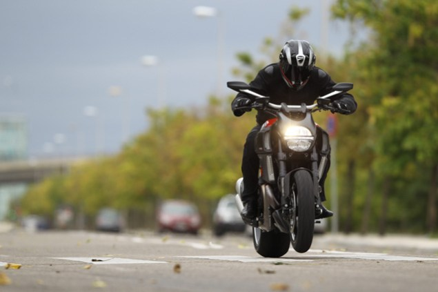 First Video of the Ducati Diavel Ducati Diavel power wheelie 635x423