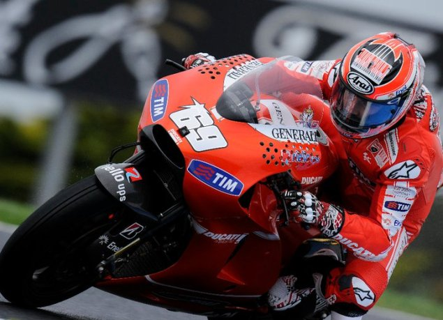 Hayden Looking Forward to Taking Rossi Under His Wing Nicky Hayden Phillip Island 635x459