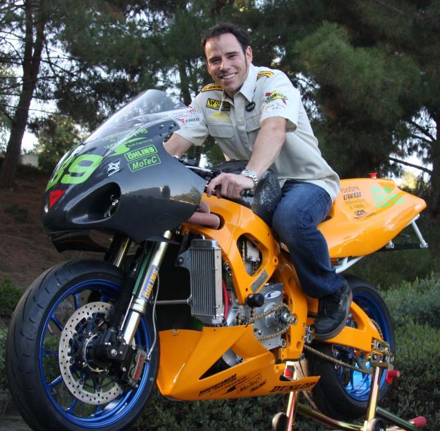 Chip Yates Electric Motorcycle Will Take On Gas Powered Competition in WERA Race Chip Yates SWIGZ electric race motorcycle 635x622