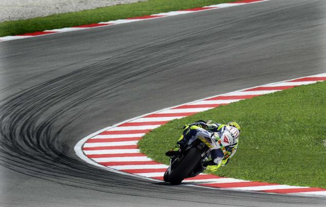 Valentino Rossi Turns 32 Years Old Today Valentino Rossi Birthday 635x402