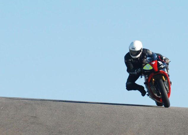 Brammo Empulse to Race at Infineon with MotorcycleUSA Brammo Empulse RR Thunderhill test 635x456