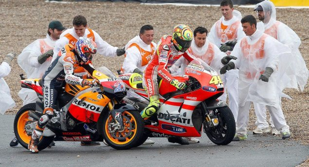 FIM Reviewing How Rossi/Stoner Crash Was Handled Rossi Stoner crash Jerez 635x343