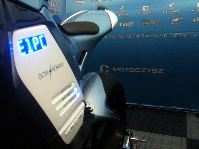 First Shot: 2011 MotoCzysz E1pc 2011 MotoCzysz E1pc sneak peak 635x476