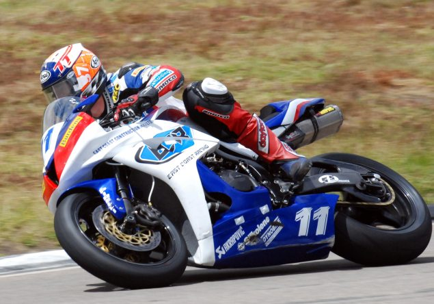 IOMTT: First Time Winner in Supersport Race 2 Gary Johnson IOMTT Supersport Race 2 635x444