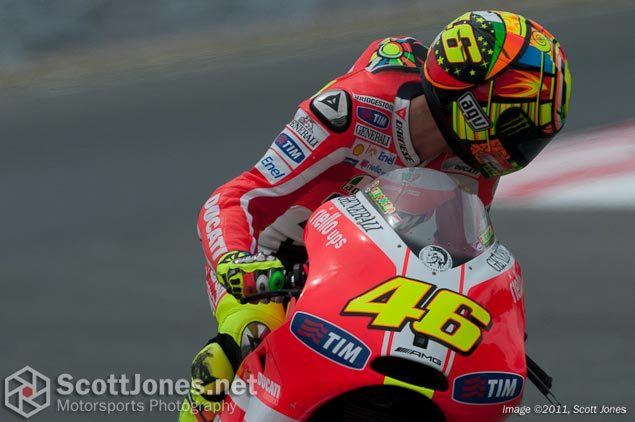Photo of the Week: No Looking Back photo of the week Valentino Rossi look back Scott Jones