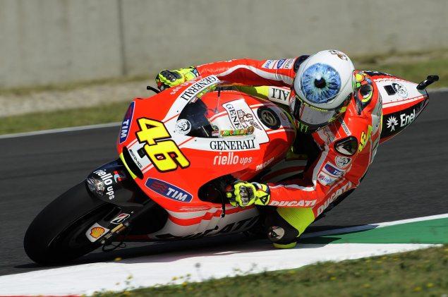 Photos: Valentino Rossis Mugello Helmet Valentino Rossi AGV Mugello helmet 2 635x421