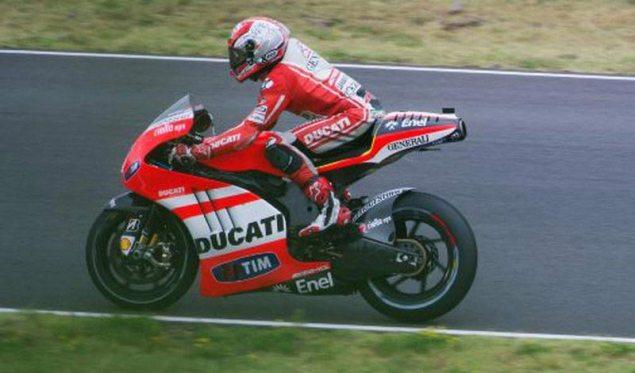 Ducati Desmosedici GP12 EVO Testing at Mugello Ducati Desmosedici GP12 EVO Mugello 1 635x373