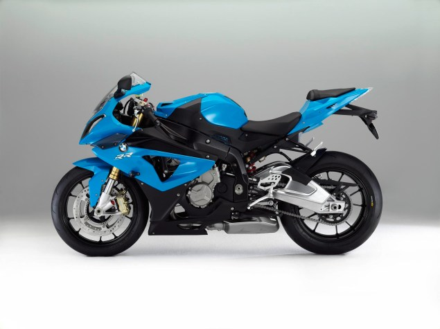 2012 BMW S1000RR   Tweaks Come to the Liter Bike King 2012 BMW S1000RR 20 635x475