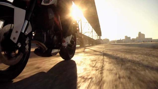 Video: 2012 KTM 690 Duke Teaser 2012 KTM 690 Duke 4 635x356