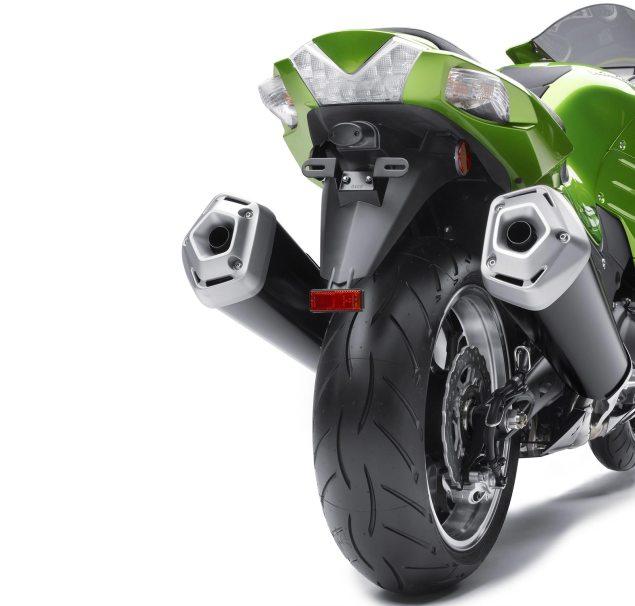 2012 Kawasaki ZX 14R Breaks Cover 2012 Kawasaki ZX 14R 7 635x606