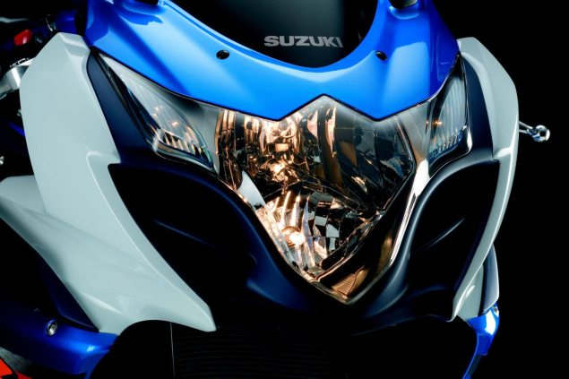 2012 Suzuki GSXR 1000   Drops 4lbs, Boosts Mid Range 2012 Suzuki GSXR 1000 11 635x423