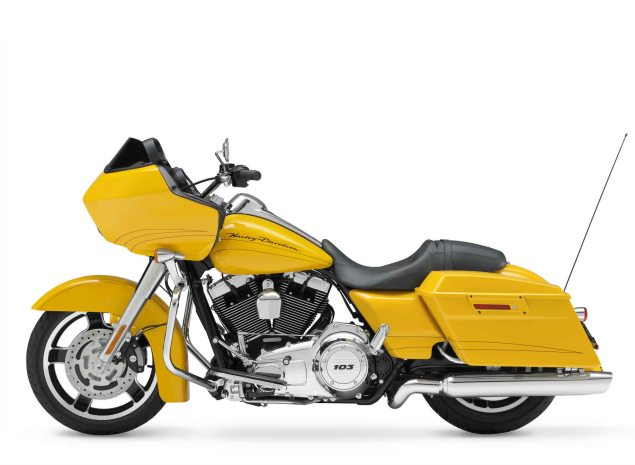 Harley Davidson Recalls 250,000 Motorcycles Harley Davidson FLTRX Road Glide Custom 635x465