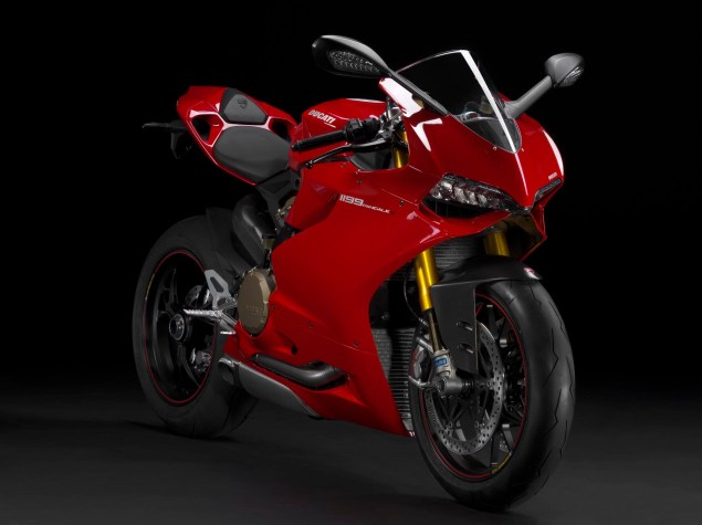 2012 Ducati 1199 Panigale Redefines the Word Superbike 2012 Ducati 1199 Panigale 21 635x475