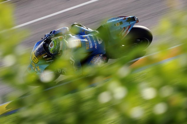 Suzuki Out of MotoGP for 2012 Season Alvaro Bautista Rizla Suzuki Valencia MotoGP 635x422