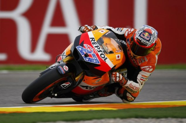 MotoGP: Veterans, Rookies, & Replacements Send off the 800cc Era at the Valencian GP Casey Stoner Valencia MotoGP 635x421