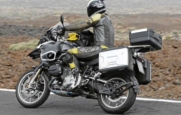 Spy Photos: 2013 BMW R1250GS Caught Testing 2013 BMW R1250GS spy photo 02 635x404