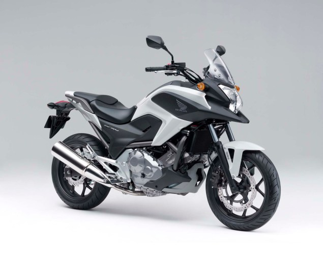 The 2012 Honda NC700X is Coming to America 2012 Honda NC700X 02 635x498