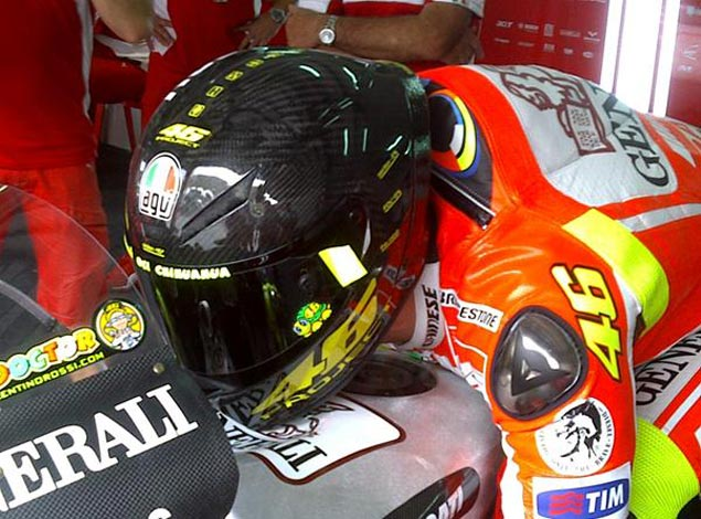 AGV, Please Make This Helmet! Valentino Rossi AGV prototype helmet Sepang