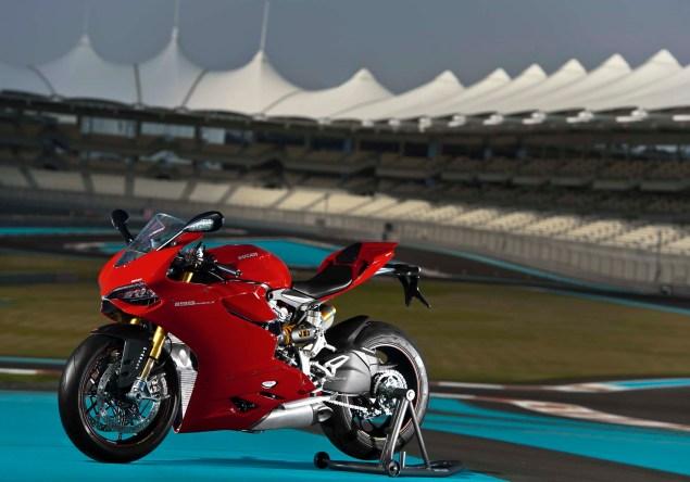 Yas Marina Circuit + Troy Bayliss + Ducati 1199 Panigale S 2012 Ducati 1199 Panigale S Yas Marina Circuit 04 635x444