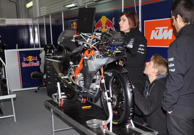 Listen to the KTM Moto3 Race Bike Purr KTM Moto3 pit 4 635x444