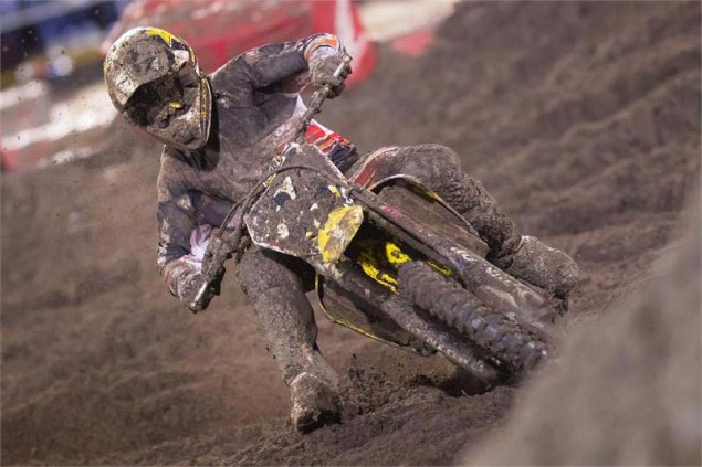 Photos: The Mud of SX at Daytona AMA Supercross SX Daytona mud Suzuki Metcalfe 01 635x423