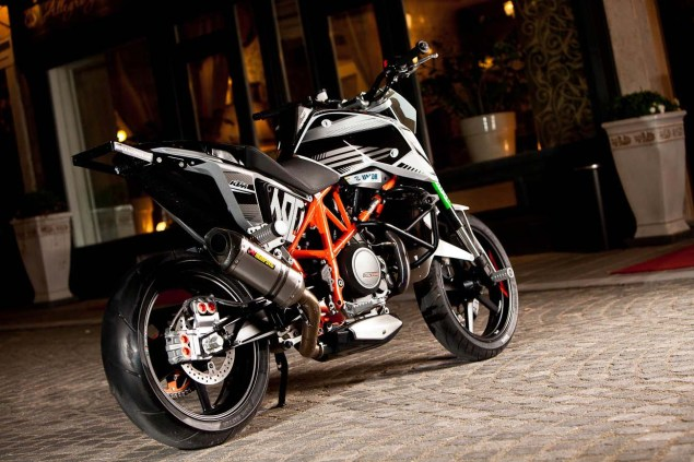Rok Bagorošs New KTM 690 Duke Stunt Bike Rok Bagoros KTM 690 Duke stunt bike 07 635x423