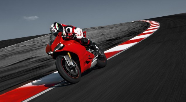 Video: Audi TT RS vs. Ducati Panigale S ducati 1199 panigale studio 635x349