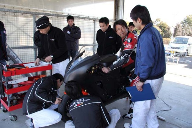 Photos: Mugen Shinden Caught Naked & Testing Mugen Shinden electric motorcycle 18 635x423