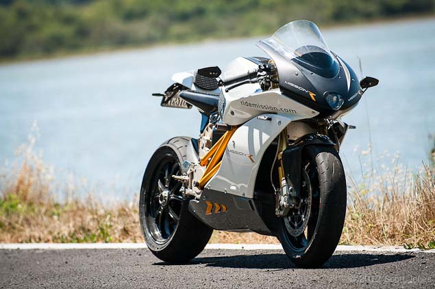 Ride Review: Mission Motors Mission R Mission Motors Mission R test ride 33