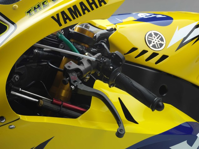 XXX: Valentino Rossis 2006 Yamaha YZR M1 Valentino Rossi 2006 Yamaha YZR M1 hi res 03 635x476