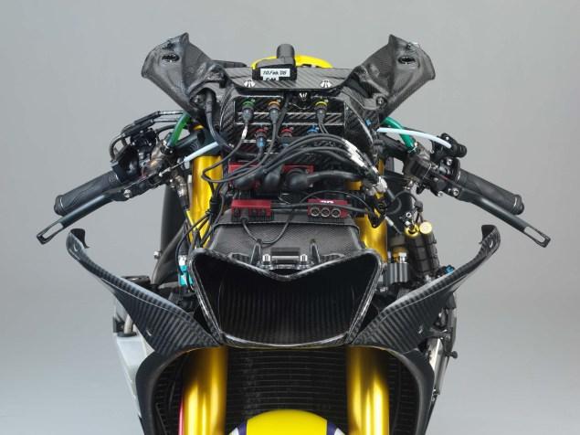 XXX: Valentino Rossis 2006 Yamaha YZR M1 Valentino Rossi 2006 Yamaha YZR M1 hi res 15 635x476