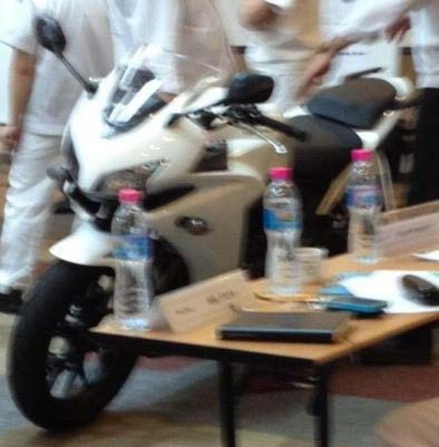 Spotted: Honda CBR500 & Honda CB500? 2013 Honda CBR500