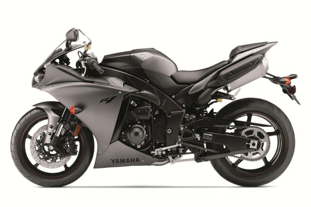New Colors Only for the 2013 Yamaha YZF R1 2013 Yamaha YZF R1 39 635x423